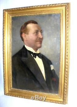 Ancienne Huile Sur Carton, Portrait d'Elegant Au Smoking. Epoque Art Deco 1930